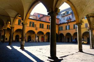 Narrow borgo and wide borgo