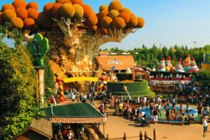 Gardaland and other parks in Lake Garda